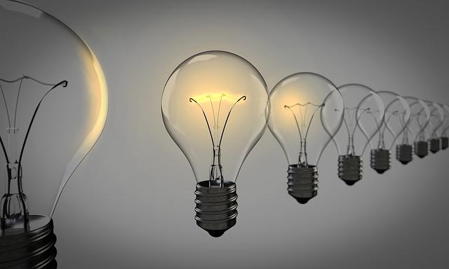Light Bulbs 1875384 640